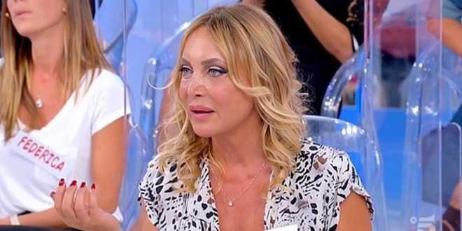 """Maria Tona sbotta su Uomini e Donne e avverte: """"A fine maggio racconterà tutto"""""""