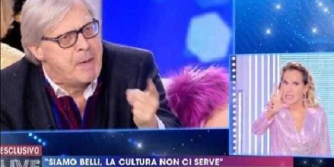 """Mediaset cancella due ospitate di Sgarbi, lui conferma: """"La causa è il virus d'Urso"""""""