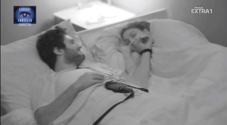 News Grande Fratello 14: notte di passione per Simone e Federica? Il GF censura!