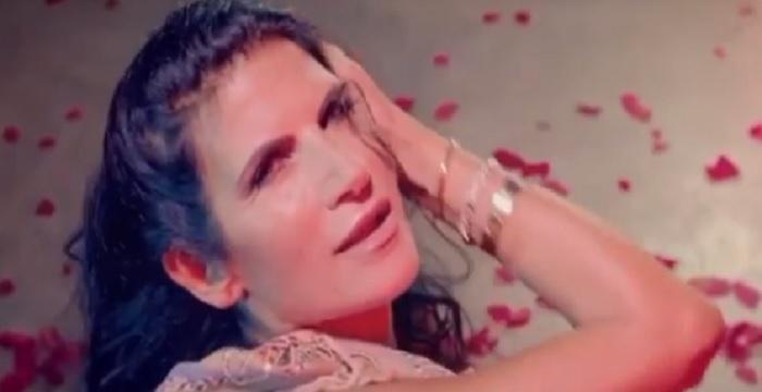 Pamela Prati lancia il suo brano musicale: nel videoclip anche Mark Caltagirone!