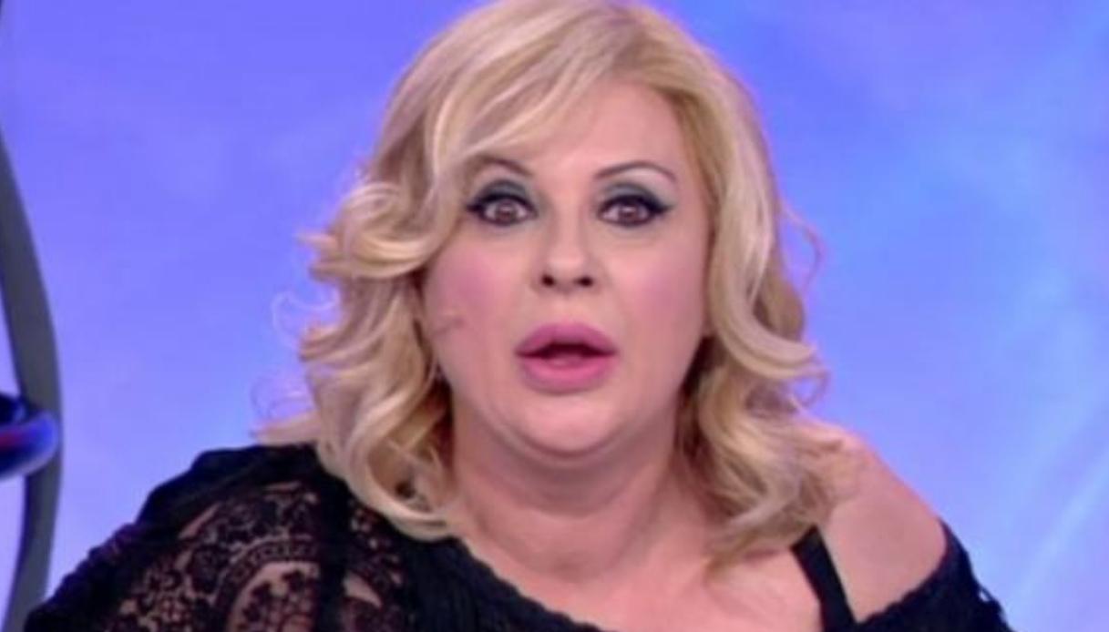 Gossip Uomini e Donne, perché solo Tina Cipollari non ha difeso Raffaella Mennoia?