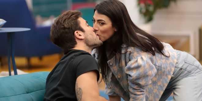 Gf Vip, Pierpaolo Petrelli pronto a chiedere a Giulia Salemi di sposarlo? L'indiscrezione