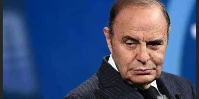 """Porta a Porta sospeso, Vespa furioso con la Rai: """"Decisione gravissima"""""""