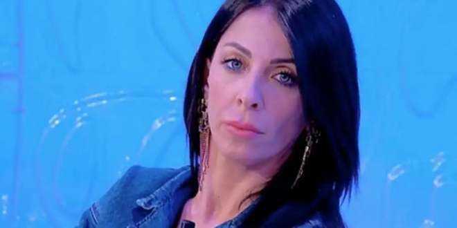 Uomini e Donne anticipazioni 20-10-2020, romantico week-end per Valentina, Biagio re di cuori
