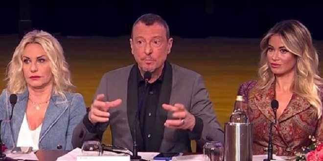 Sanremo 2020, Amadeus nella bufera: prima la frase shock e poi la raccomandazione