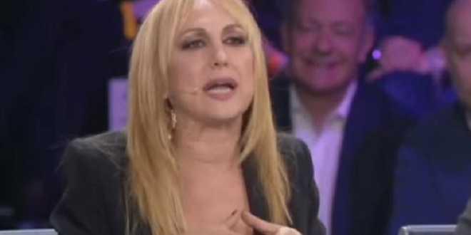 Amici 17, scandalo Alessandra Celentano: gravi offese sui social