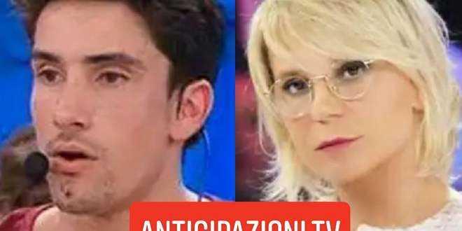 Scandalo in diretta ad Amici 19: un alunno offende la tramissione e Maria De Filippi