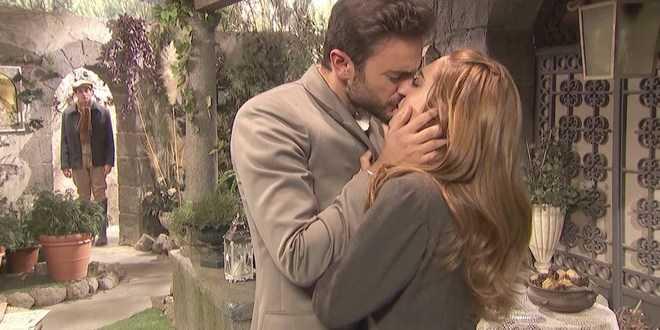 Il Segreto anticipazioni: scoppia la passione tra Saul e Julieta