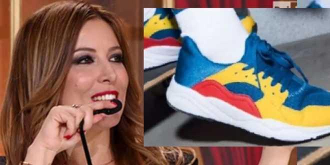 """Selvaggia Lucarelli affonda le scarpe Lidl, poi ritratta: """"Ho le scarpe per Ballando"""""""