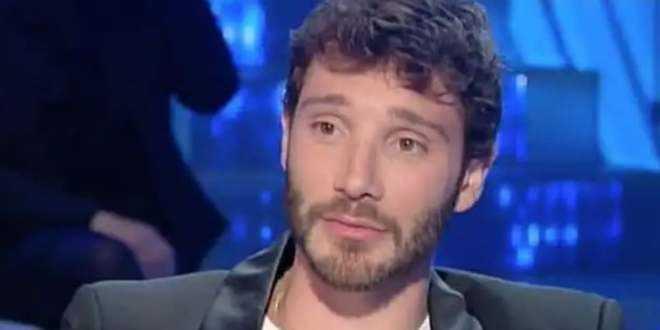 Stefano De Martino si confessa e parla della sua vita sentimentale: è innamorato?