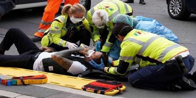 Striscia la Notizia: inviato brutalmente picchiato a colpi di bastonate!