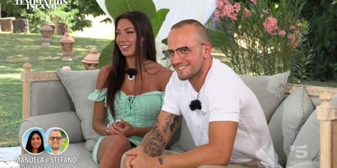 Temptation Island,  Stefano Sirena criticato aspramente da due ex protagonisti del reality