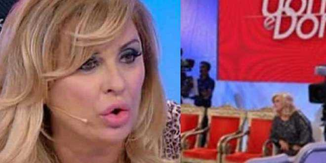 News Uomini e Donne, Tina Cipollari furiosa con i tronisti