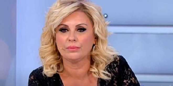 Uomini e Donne news, Tina Cipollari contro Gemma Galgani: lite e insulti nel parcheggio