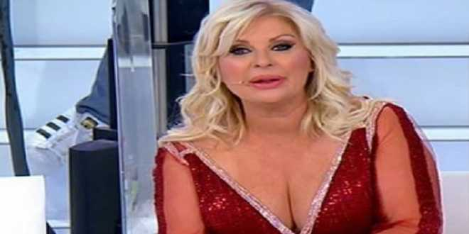 Tina Cipollari lascia Uomini e Donne: ha contratto il Coronavirus?