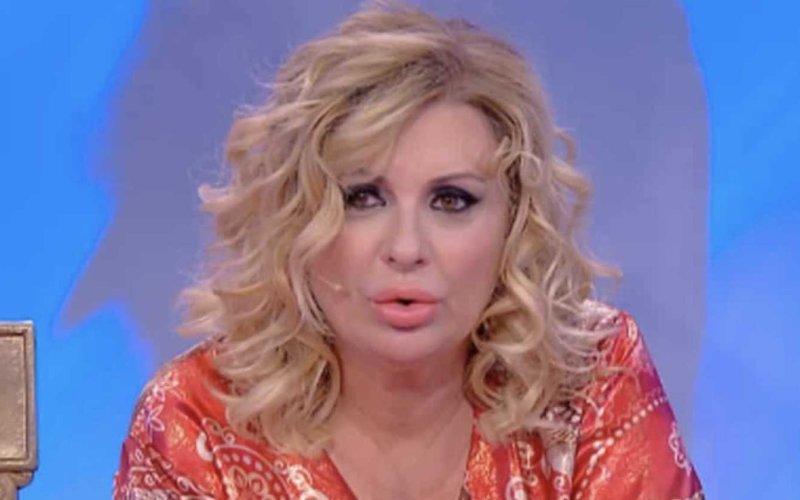Uomini e Donne gossip, Tina Cipollari si pesa in puntata e lancia una sfida