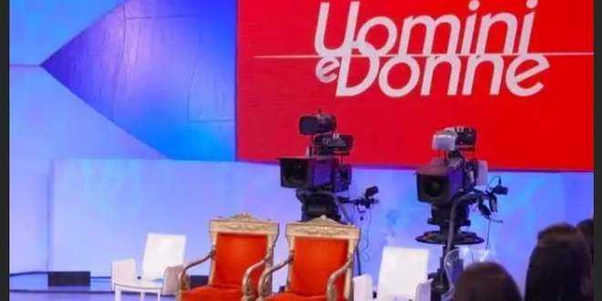 Uomini e Donne torna in tv: la data ufficiale e i cambiamenti che ci saranno