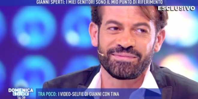 Uomini e Donne gossip, Gianni Sperti: le parole su Paola Barale commuovono tutti