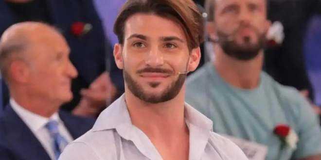 Uomini e Donne news, Nicola Vivarelli lascia il programma: ecco il motivo