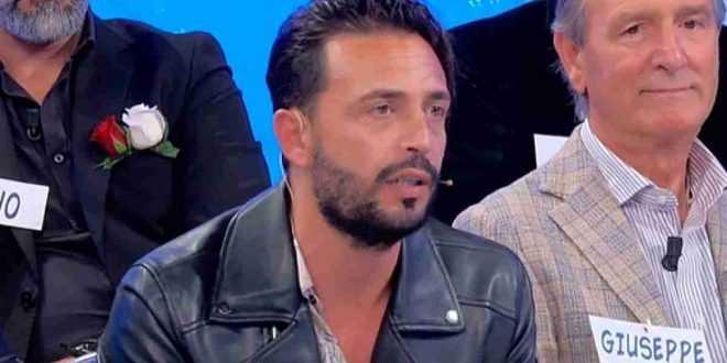 Uomini e donne trono over : Armando Incarnato litiga furiosamente con Roberta