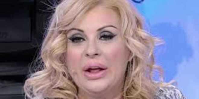 Uomini e donne trono over: volano insulti tra Tina Cipollari e il pubblico